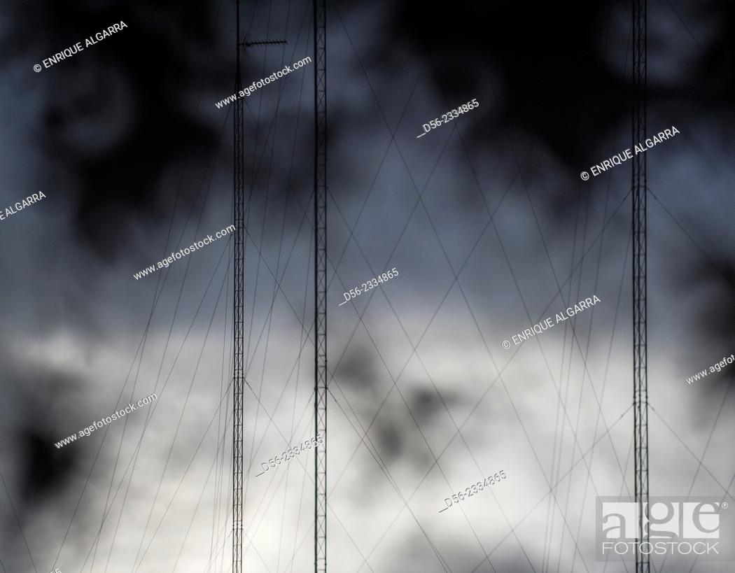 Imagen: antennas, Valencia, Spain.