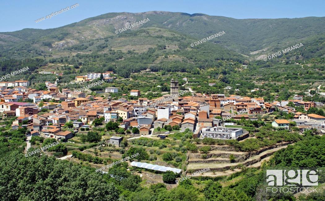 Stock Photo: Garganta la Olla. Conjunto histórico artístico. Cáceres province, Extremadura, Spain.