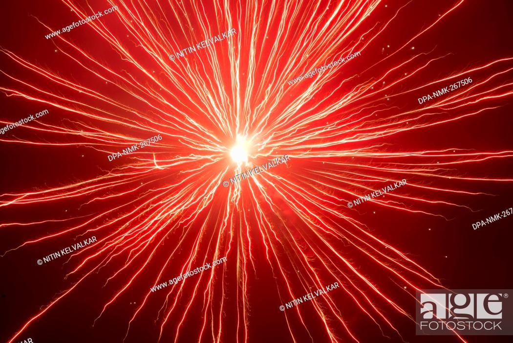 Imagen: firework in sky, celebrating Gudi Padva Festival, Thane Maharashtra India Asia.