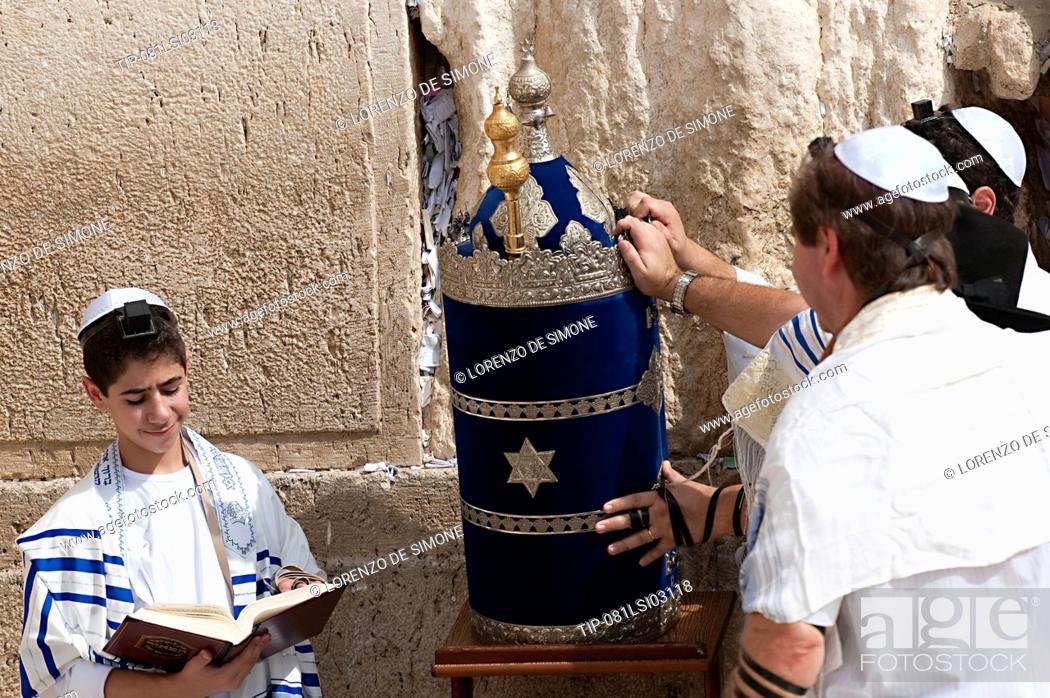 Stock Photo: Israel, Jerusalem, bar mitzvah ceremony at The Wailing Wall.