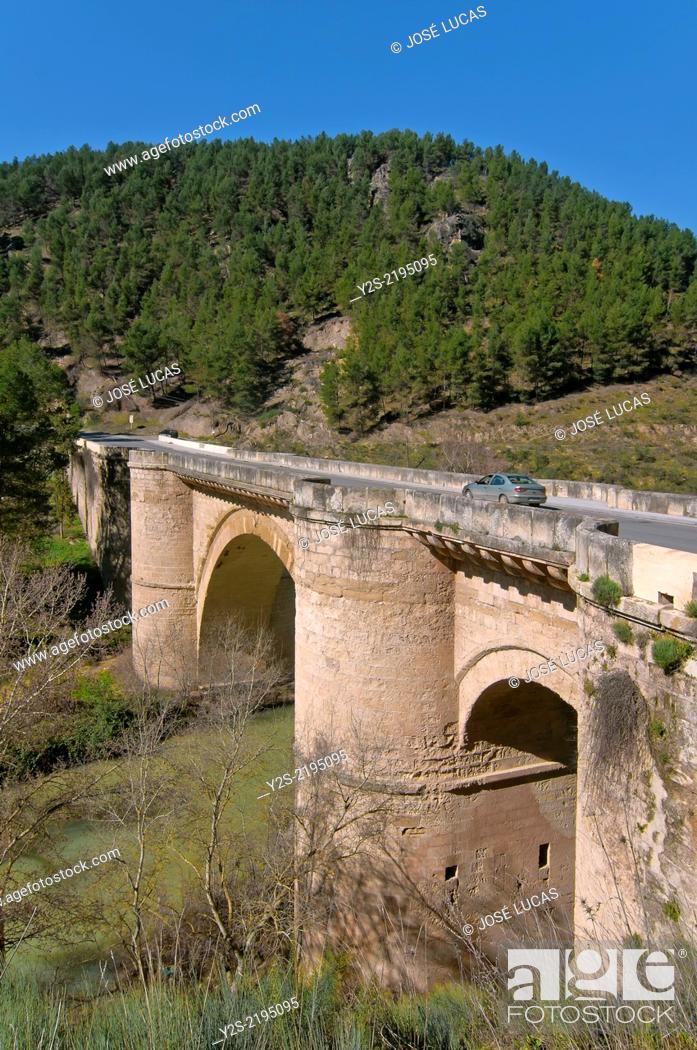 Photo de stock: Renaissance bridge and river Genil, 16th century, Benameji, Cordoba-province, Region of Andalusia, Spain, Europe.