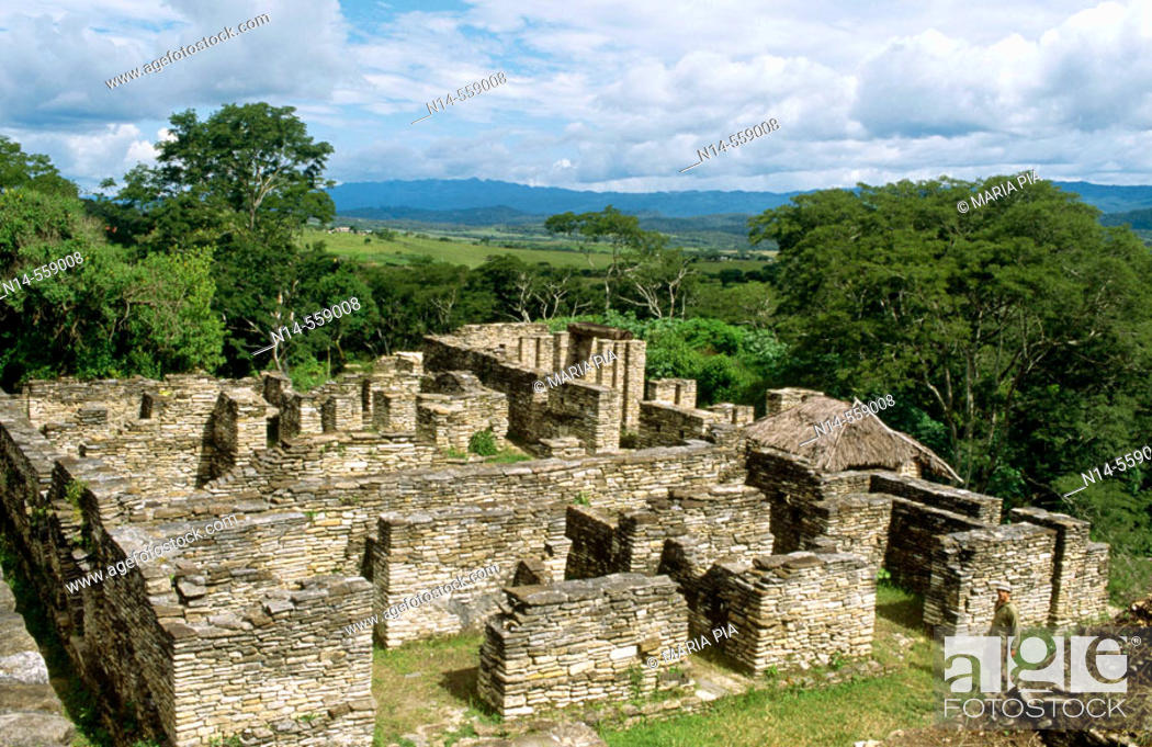 Stock Photo: Ruins of ancient city (6th Century). Ocosingo valley, Chiapas, Mexico.