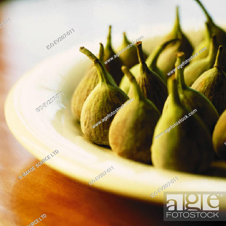Stock Photo: Plate of figs.