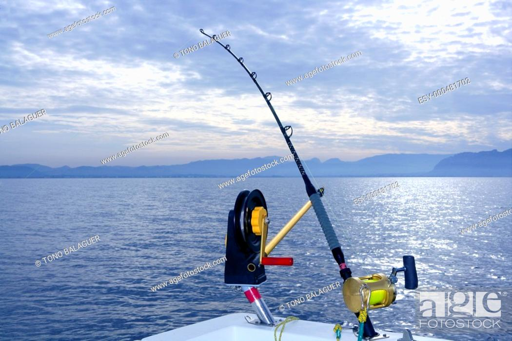 Photo de stock: Downrigger boat gear saltwater trolling tackle rod and reel.