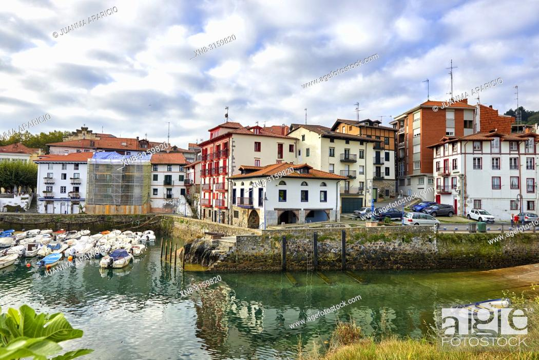 Stock Photo: Mundaka, Biosphere Reserve Urdaibai, Biscay, Basque Country, Spain.