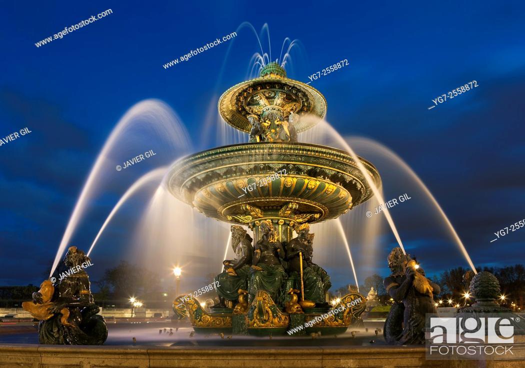 Stock Photo: Fontaine des Mers, Concorde square, Paris, Ile de France, France.