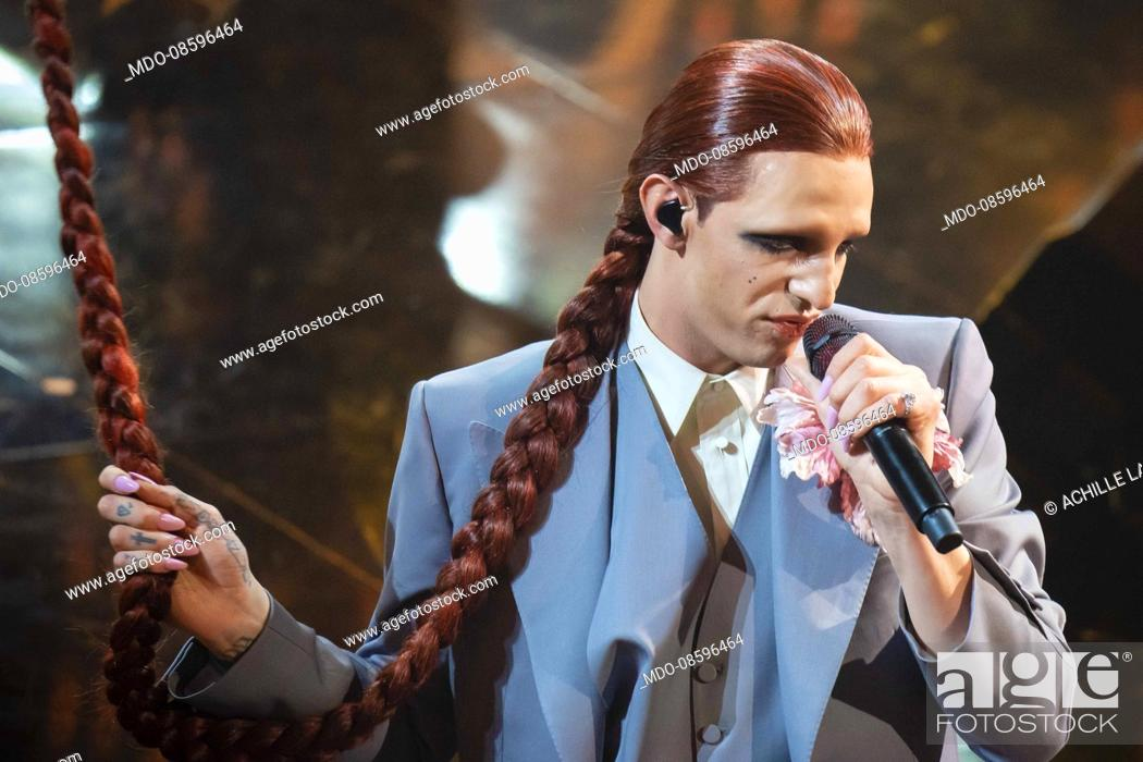 Imagen: Achille Lauro at the second evening of the 71 Sanremo Music Festival. Sanremo (Italy), March 3rd, 2021.