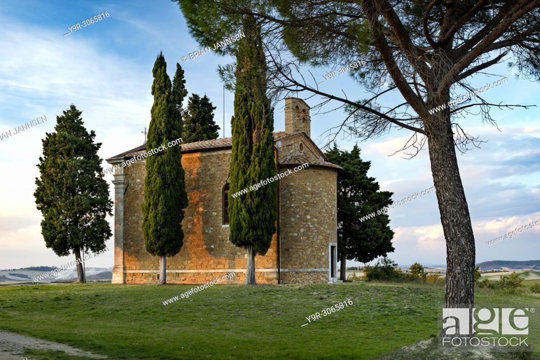 Stock Photo: Evening sunlight on Cappella di Vitaleta near San Quirico d'Orcia, Tuscany, Italy.