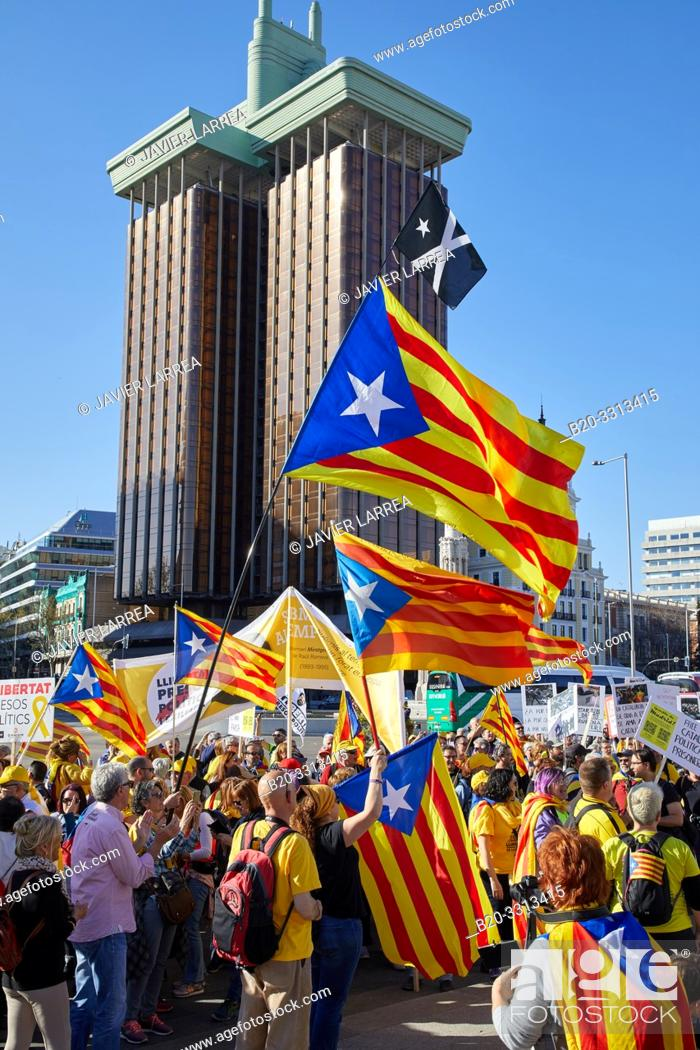 Stock Photo: Demonstration of Catalans demanding independence, Flags of Catalonia, Columbus Towers, Colon Square, Madrid, Spain, Europe,.
