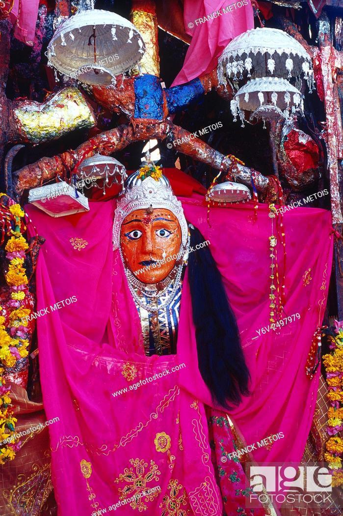 Stock Photo: Idol of the goddess Durga ( India).
