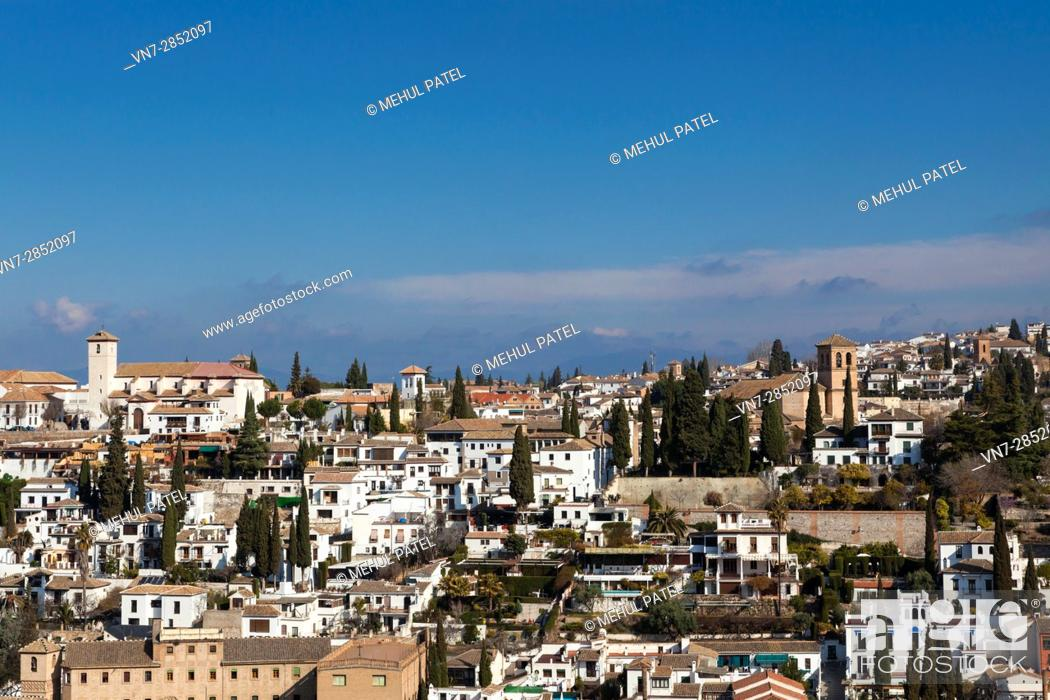 Imagen: View of the Arab quarter (el Albaicin) of the town of Granada from the Alhambra Palace - Granada, Spain.