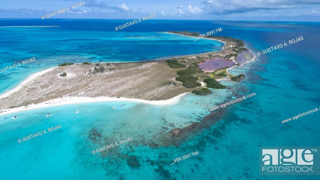Photo de stock: Aerial view Tropical beach of island Cayo de Agua, Los Roques, Venezuela.