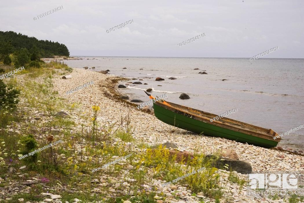 Stock Photo: Tranquil Scene, Sea, Peaceful, Clean, Boat, Sand.