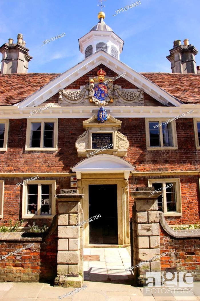 Imagen: The Matrons College Salisbury Wiltshire.