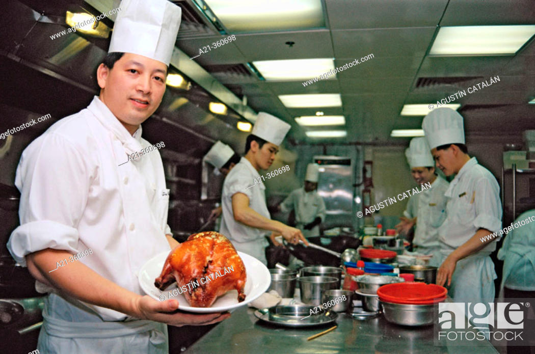 Stock Photo: Cook with lacquered duck. Hong Kong, China.
