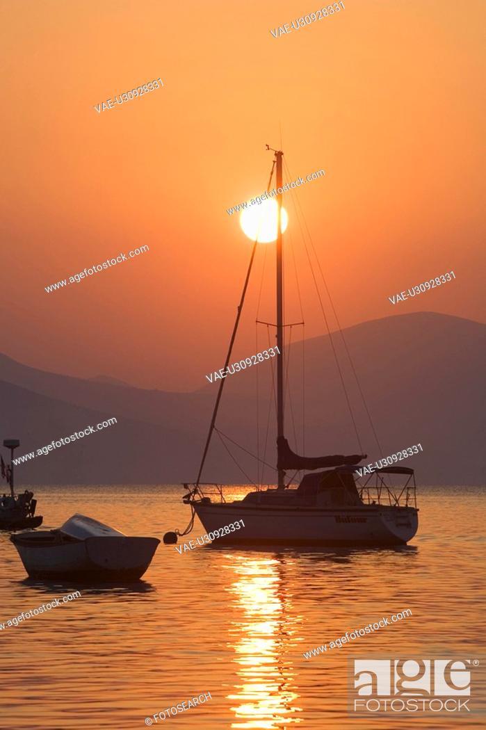 Stock Photo: Boat, Dusk, Glow, Mountain, Mountain Range.