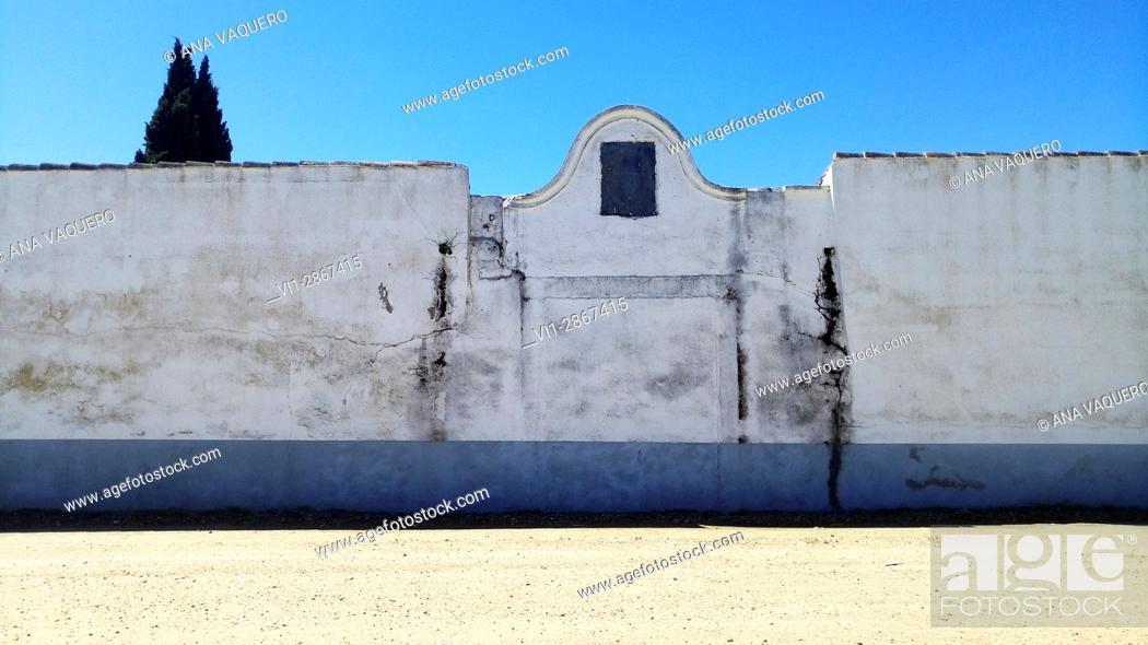 Stock Photo: Ancient entrance to the cemetery, Miajadas Extremadura.