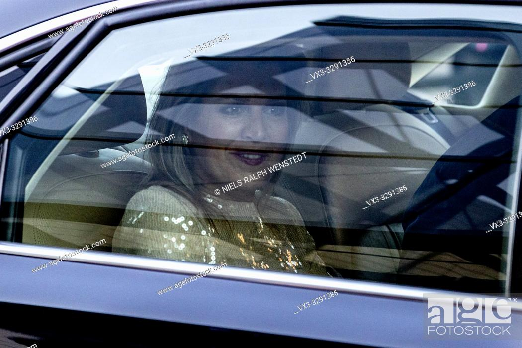 Stock Photo: AMERSFOORT - Dutch King Willem Alexander and Queen Maxima arrives at the Kingsday concert.