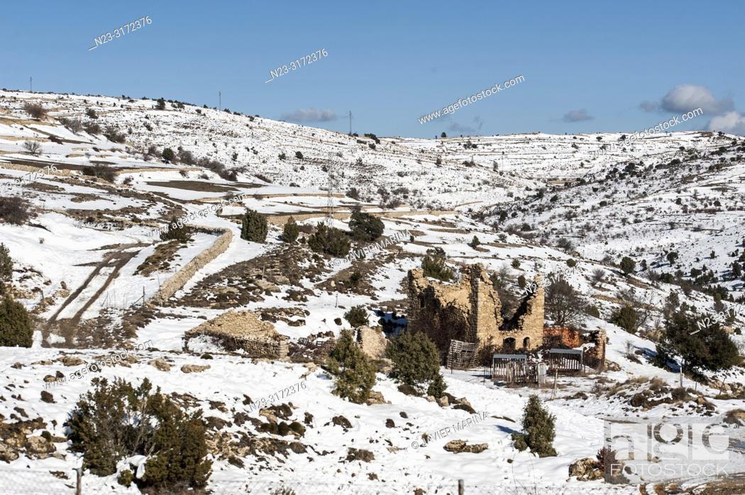 Stock Photo: Snow in the mountain pass of Torre Miró, Morella, Castellón, Spain.