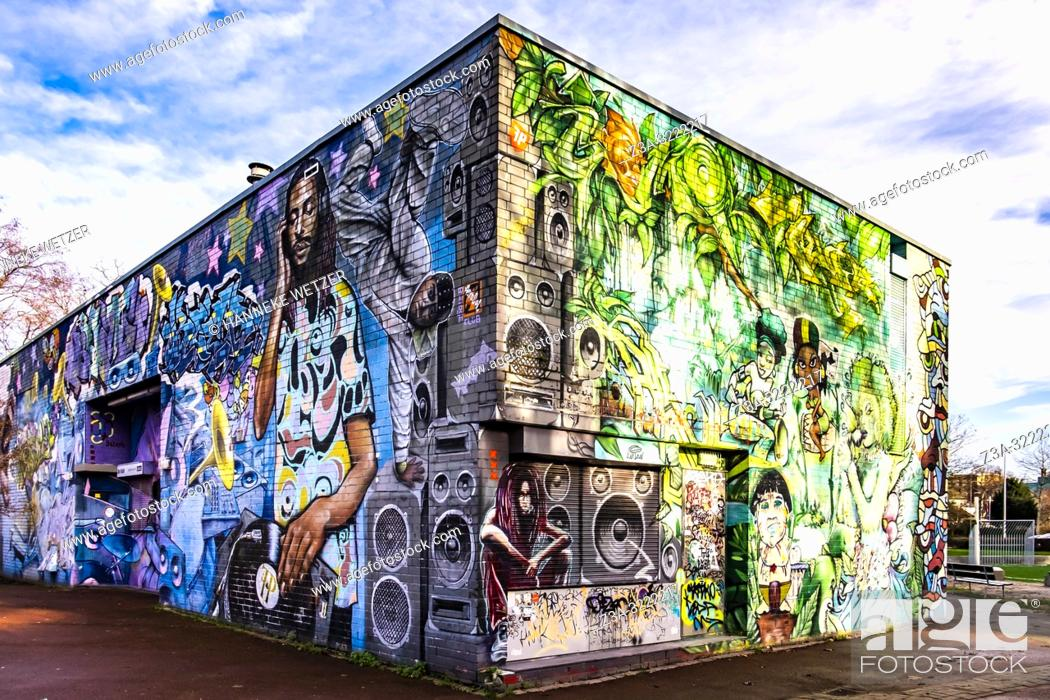 Imagen: Colorful urban youth center in Amsterdam North, The Netherlands, Europe.