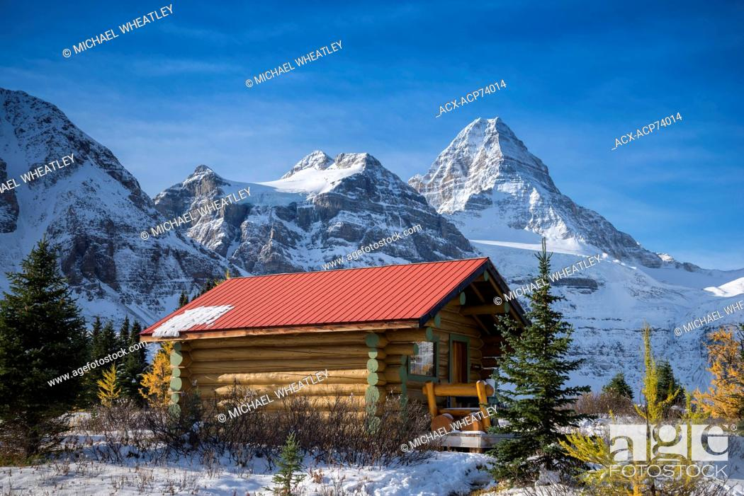 Stock Photo: Cabin of Mount Assiniboine Lodge, Mount Assiniboine Provincial Park, British Columbia, Canada.
