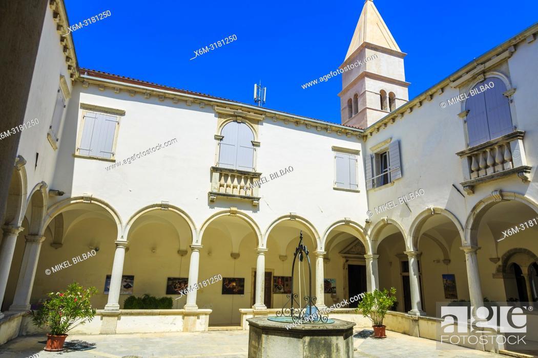 Stock Photo: Cloister. Piran Minorite Monastery. Piran. Slovene Istria region. Slovenia, Europe.