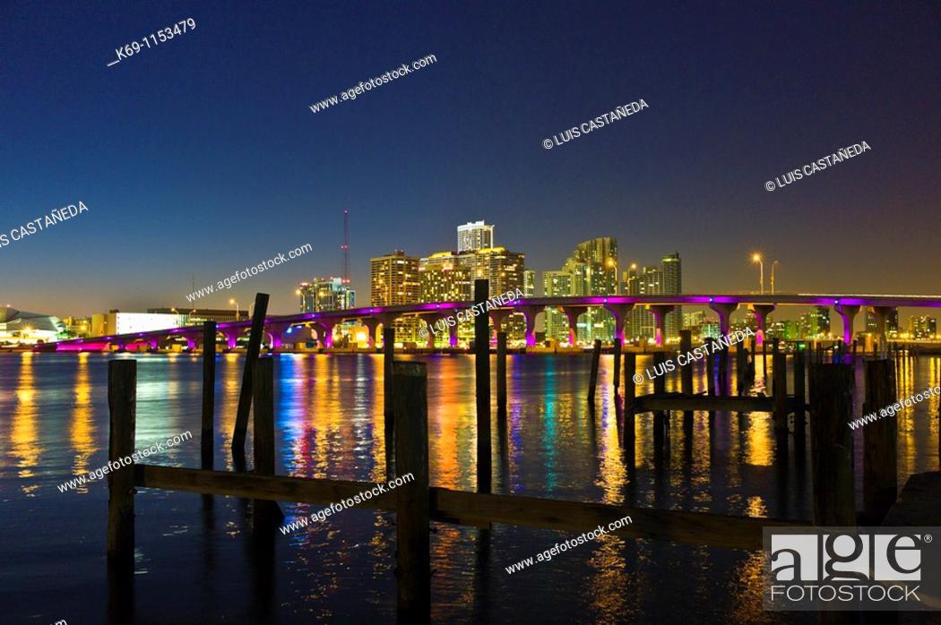 Stock Photo: MacArthur Causeway and Biscayne Bay at dusk, Miami, Florida, USA.