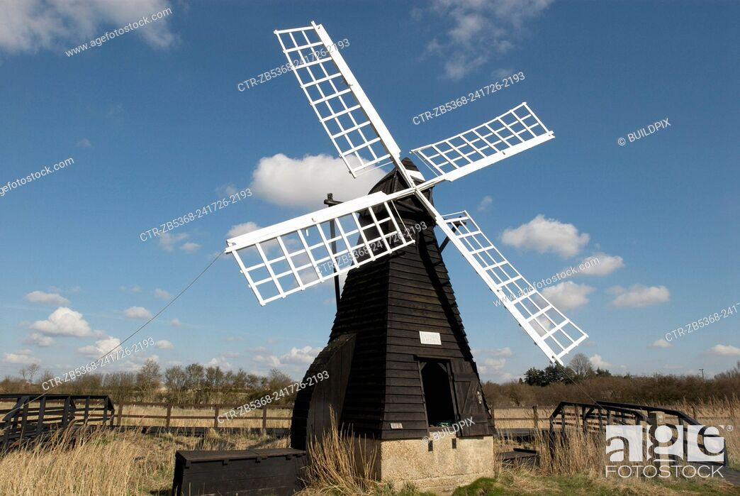 Imagen: Traditional windmill at Wicken Fen Nature Reserve, Cambridgeshire, United Kingdom.