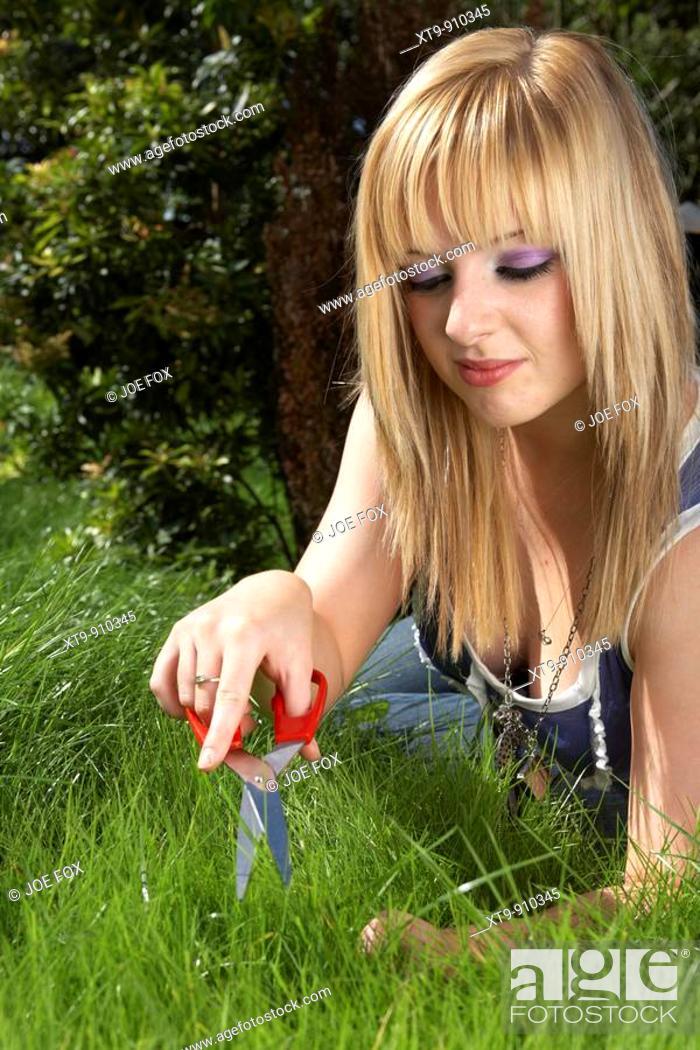 Blond teen copyright 2005 2009