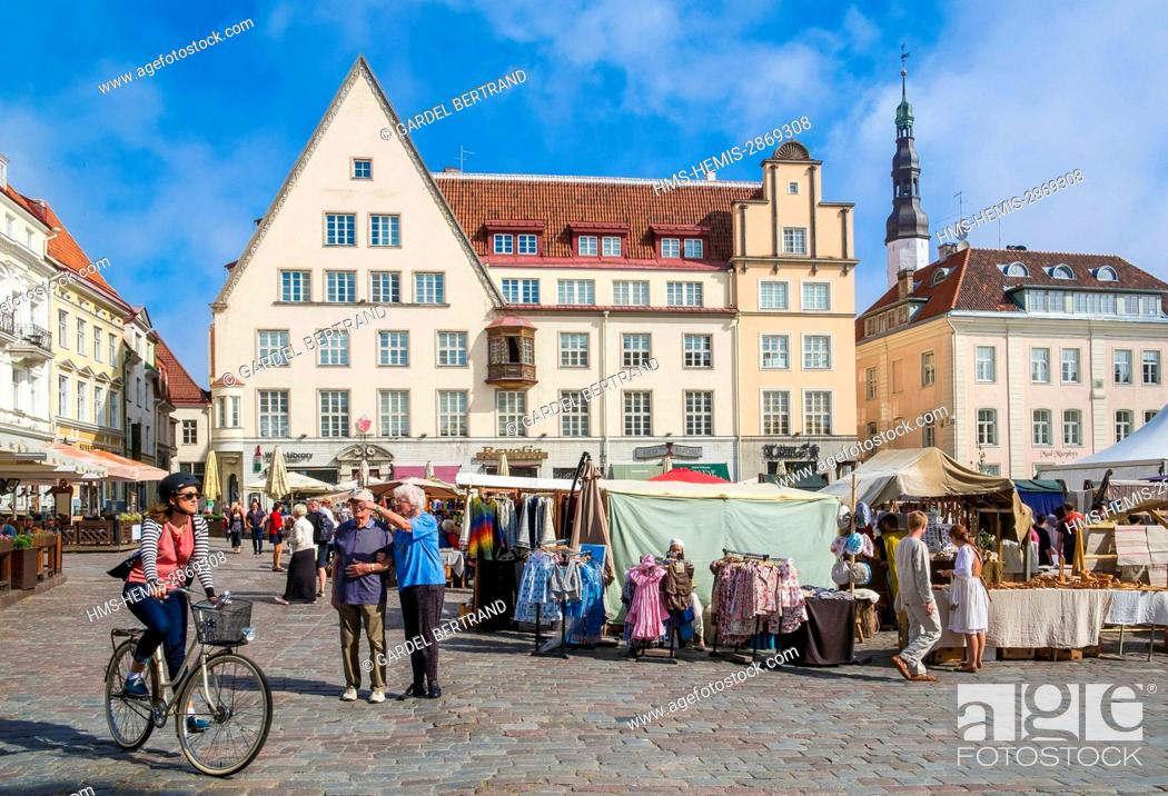 Stock Photo: Estonia (Baltic States), Harju region, Tallinn, historical center listed as World Heritage by UNESCO, Town Hall Square.