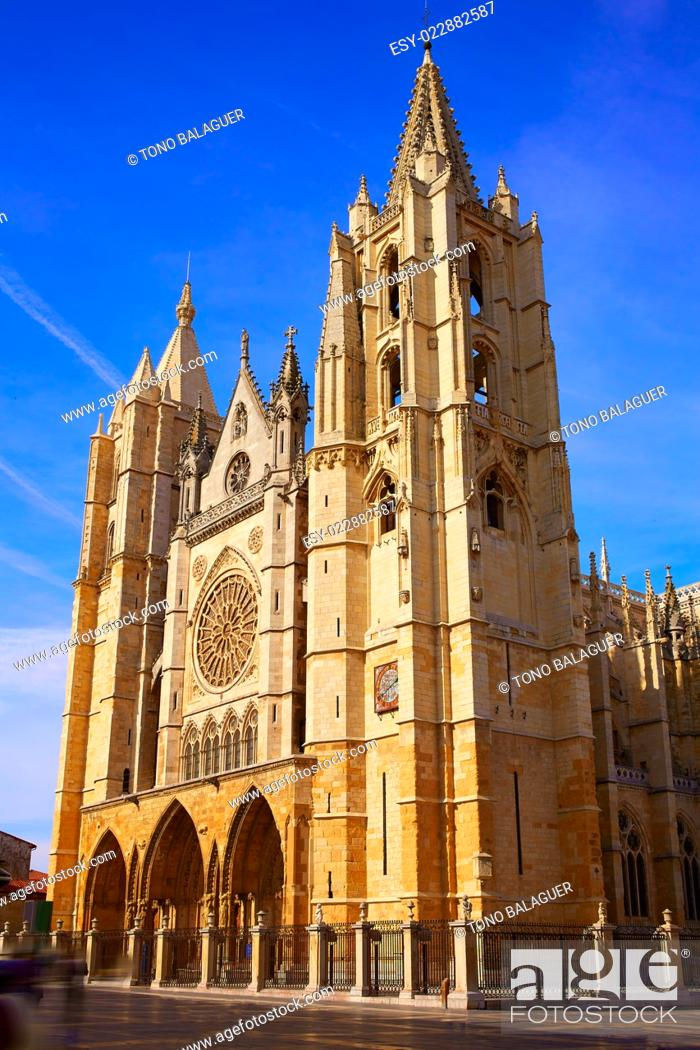 Stock Photo: Cathedral of Leon facade in Castilla at Spain.
