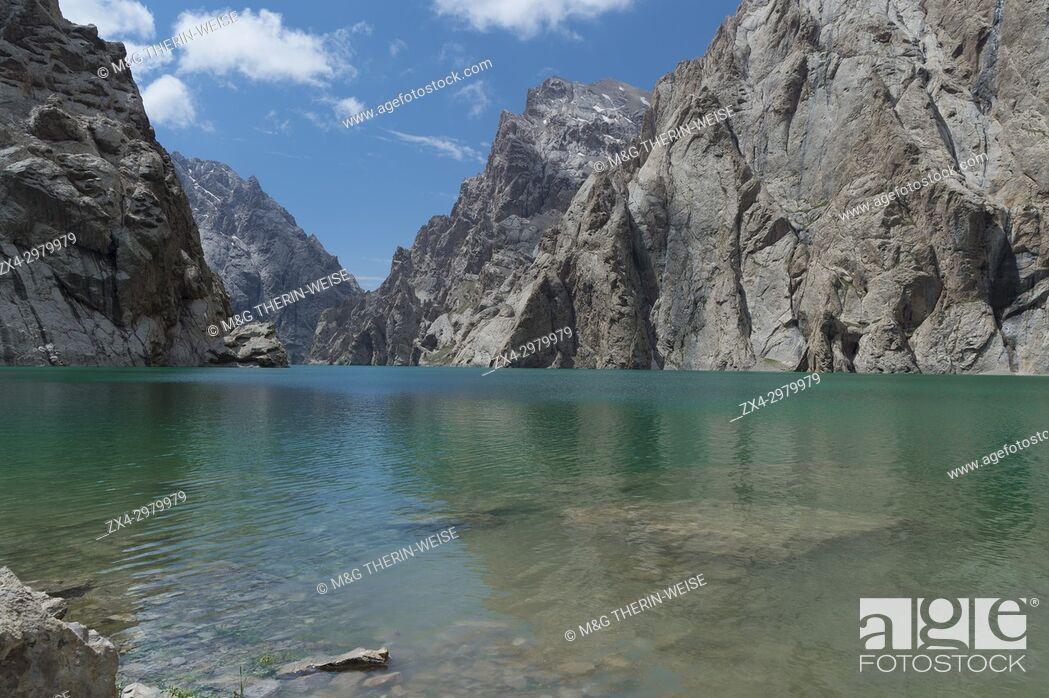 Stock Photo: Köl-Suu lake, High Altitude Lake, Kurumduk valley, Naryn province, Kyrgyzstan, Central Asia.