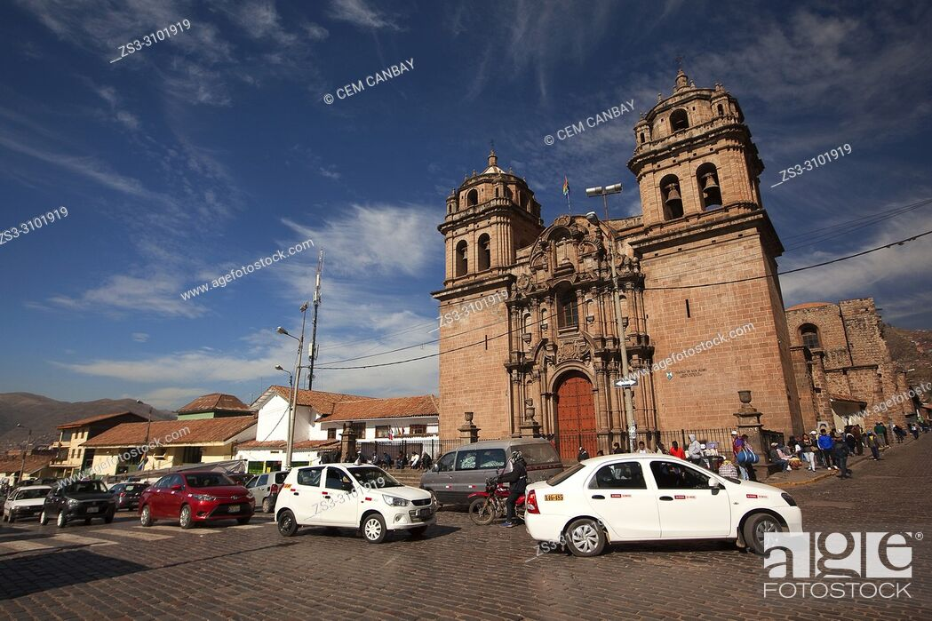 Imagen: View to the San Pedro Church-Templo De San Pedro at the historic center, Cusco, Peru, South America.