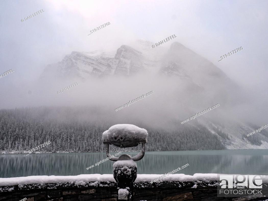 Imagen: Canadian Rockies. Lake Louise. Winter.