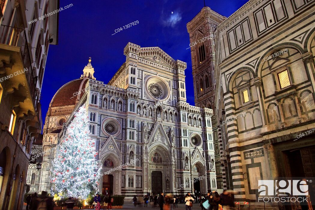 Stock Photo: Italy, Tuscany, Florence, Cathedral, Christmas lights.