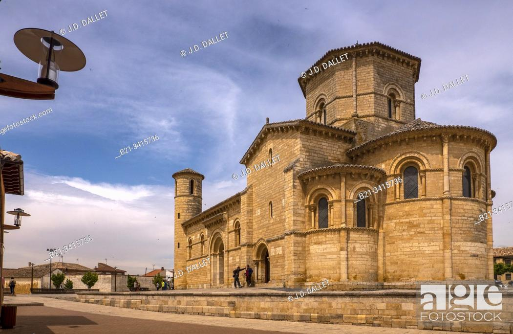 Stock Photo: Spain, Castilla-Leon, Palencia, Frómista is a municipality located in the province of Palencia, Castile and León, Spain. It is a major overnight stopping place.
