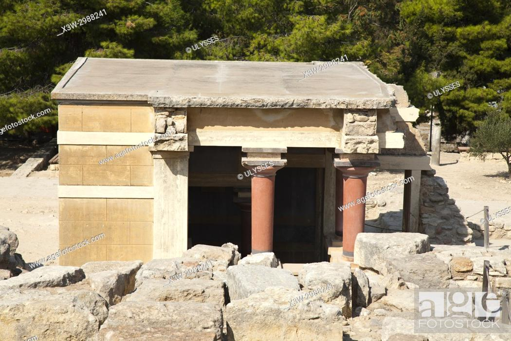Imagen: Halls of lustral basin, Knossos palace archaeological site, Crete island, Greece, Europe.