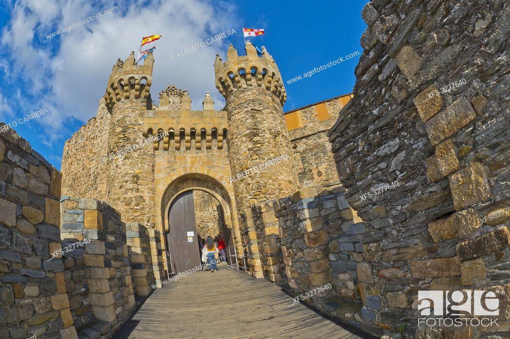Imagen: Knights Templar Castle of Ponferrada, 14th Century Romanesque Style, Ponferrada, El Bierzo Region, León Province, Castilla y León, Spain, Europe.