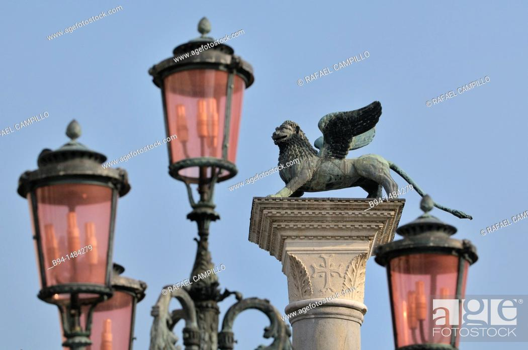Stock Photo: Column with a statue of winged lion, symbol of St Mark, Piazzetta di San Marco, Venice, Veneto, Italy.