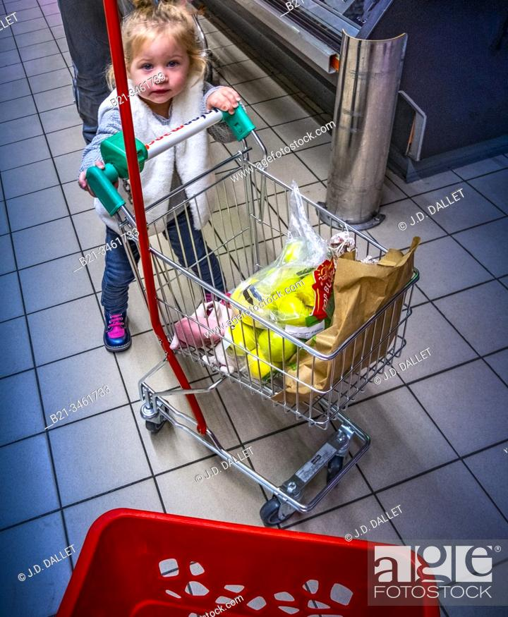 Stock Photo: Shopping very young.