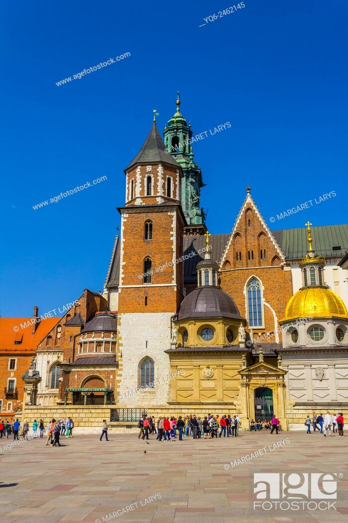 Stock Photo: King Sigismund's Cathedral and Chapel, Royal Castle at Wawel Hill, Krakow, Poland.