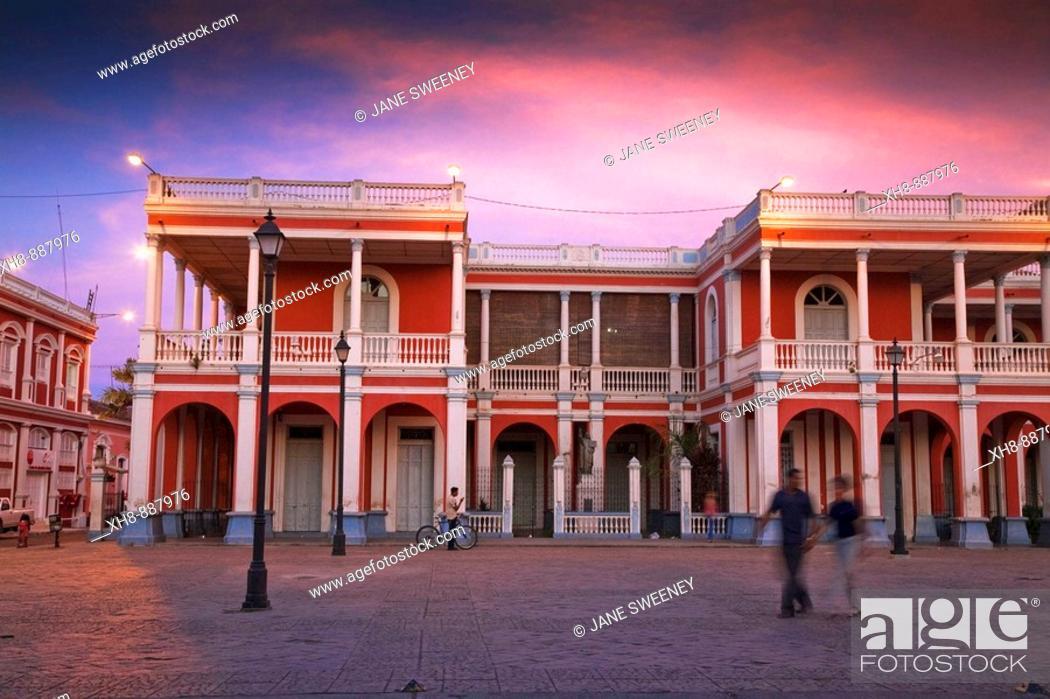 Stock Photo: Plaza de la Independencia in front of Parque Colon (aka Central Park), Granada, Nicaragua.