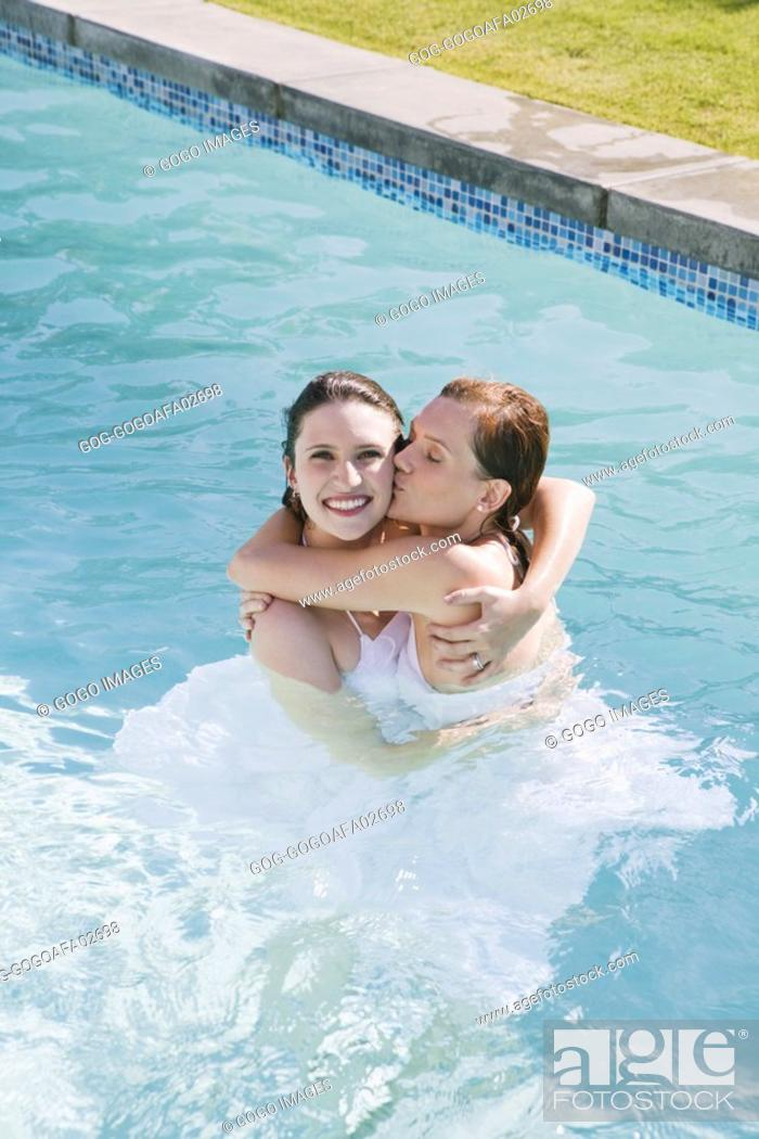 LEANNE: Lesbians Kissing In The Pool