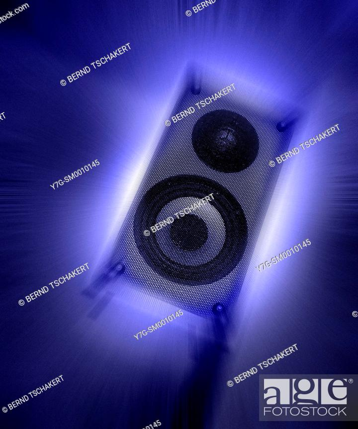 Audio speaker box vibrating, motion blur special effect