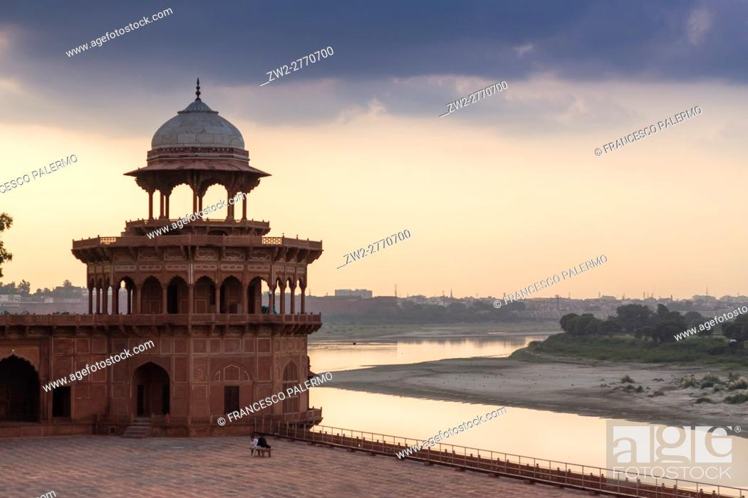 Stock Photo: Detail of mosque in backlit with Yamuna river on backgournd. Agra, Uttar Pradesh. India.