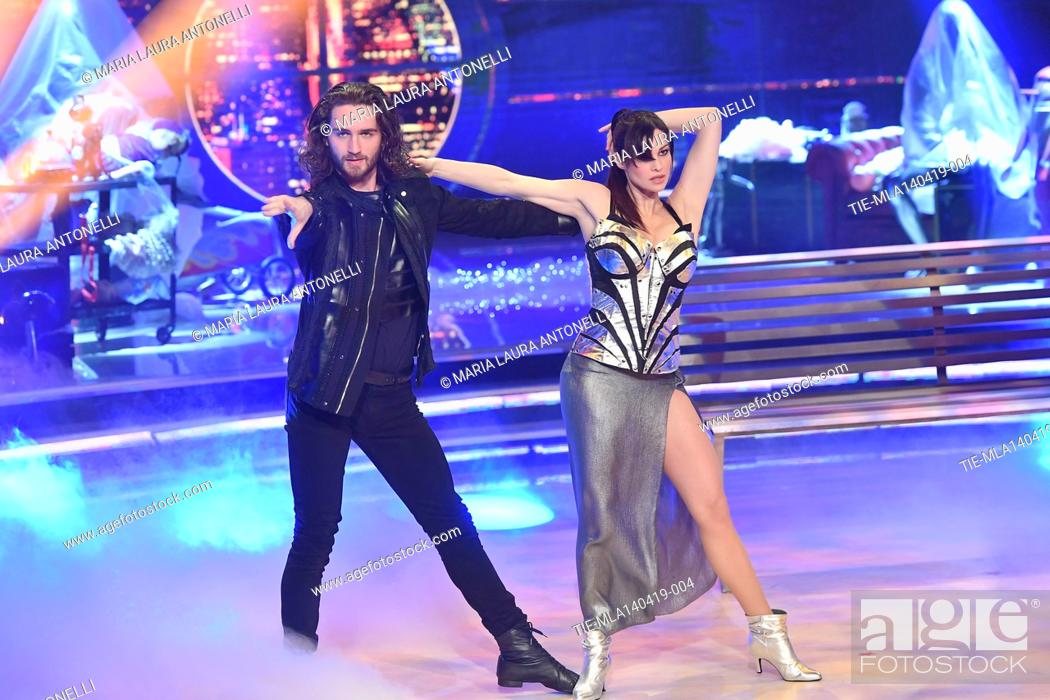 Imagen: Manuela Arcuri during the performance at the talent show ' Ballando con le stelle ' (Dancing with the stars) Rome, ITALY-14-04-2019.