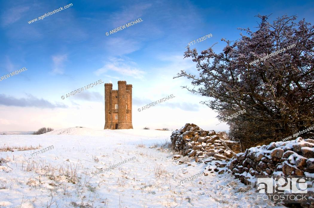 Stock Photo: Broadway tower in winter snow  in the Cotswolds, Gloucestershire  UK.
