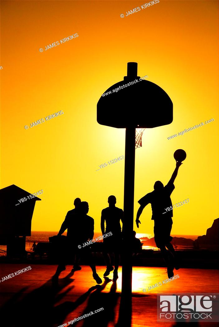 Imagen: Sunset Basketball, Laguna Beach, California.