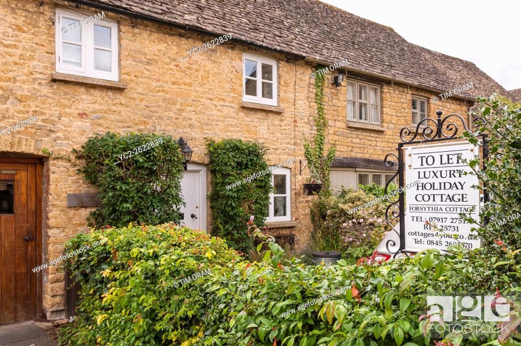 Stock Photo: Luxury holiday cottage to let at Bourton-On-The-Water in Gloucestershire , England , Britain , Uk.