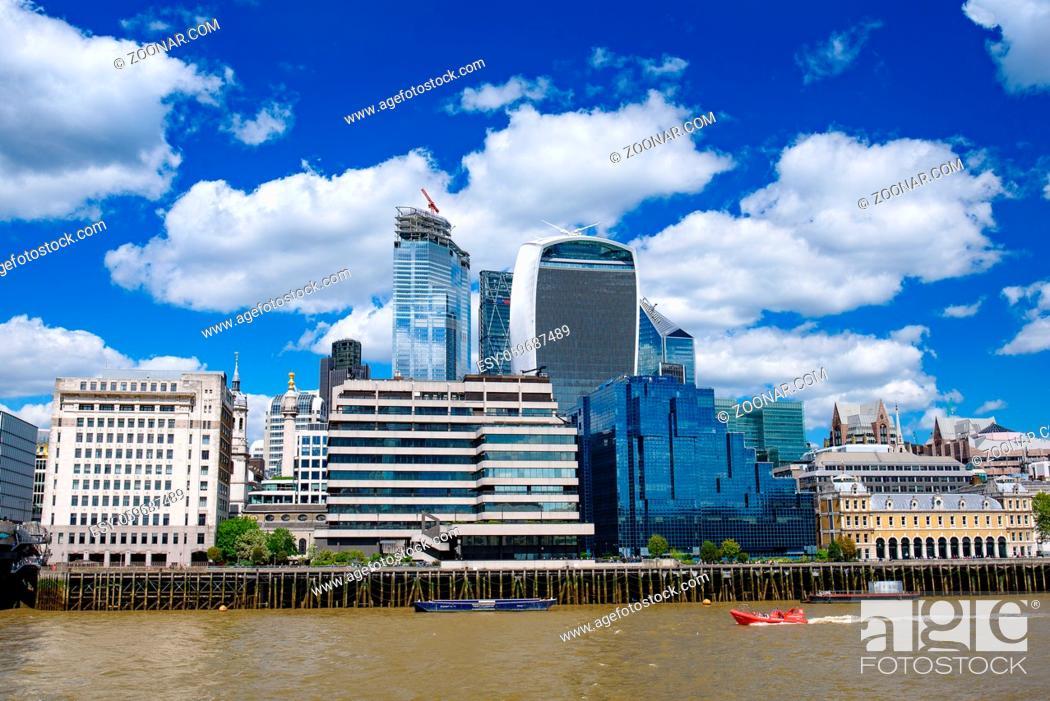 Imagen: Skyline of City of London CBD in United Kingdom.